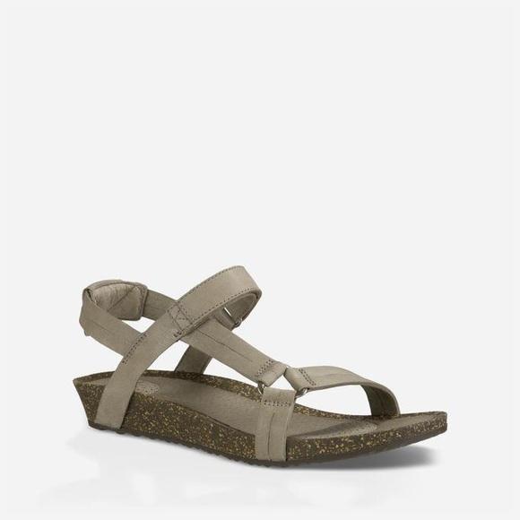 e4b8da081f33 Teva Ysidro Universal Sandal Taupe Size 9. M 5b452733df0307f996937661